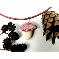 Halskette mit Keramikfliegenpilz-Anhänger, zierlicher Herbstschmuck Bild 1
