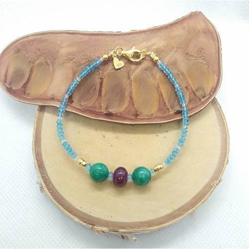 Blautopas Armband. Mit Smaragd und Ruby. Silber 925 vergoldet. Echte Natürliche Edelstein. Handarbeit Fairer Handel