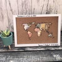 Korkweltkarte als Geldgeschenk zur Hochzeit mit Rahmen Bild 1