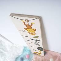 Messlatte für das Kinderzimmer, Messleiste mit Name und Datum, Geschenk zum Kindergeburtstag, Motiv: Affe und Giraffe Bild 1