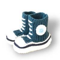 Gestrickte sportliche Baby-Schuhe MiNiS  im Sneaker - Look aus Mikrofaser in petrol Bild 1