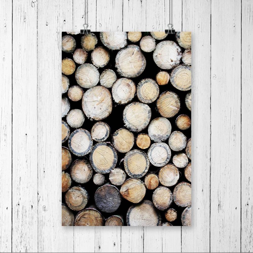 DIN A4 Wandbild, Fotografie Holz, Holzstämme, Poster und rustikale Wanddekoration für alle, die den Wald ins Zuhause holen wollen Bild 1