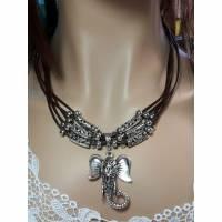 Ziegenleder Halskette mit Elefanten Anhänger Bild 1
