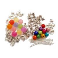 Bastel-Set für 10 Engel aus bunten Perlen in Regenbogenfarben Bild 1