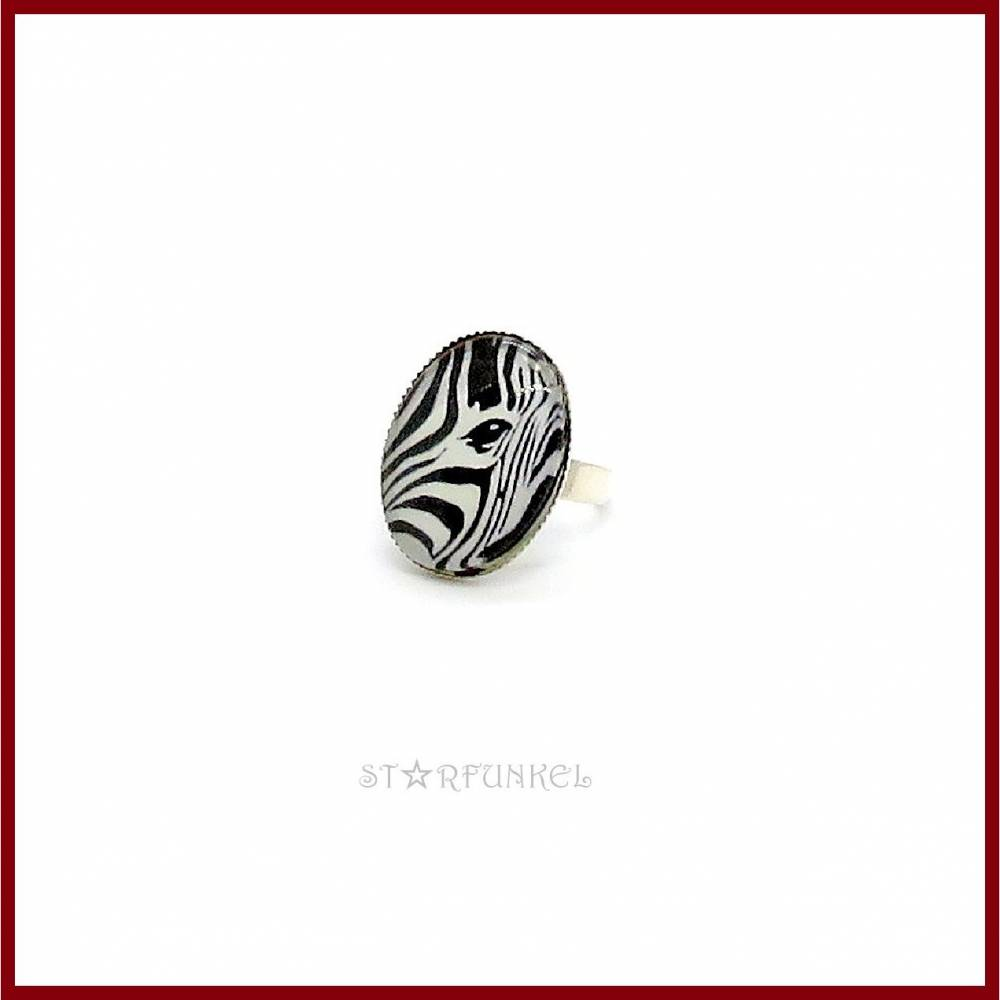 "Ring ""Zebra's Eye"" Cabochon oval 18x25mm, schwarz-weiß, versilbert Bild 1"