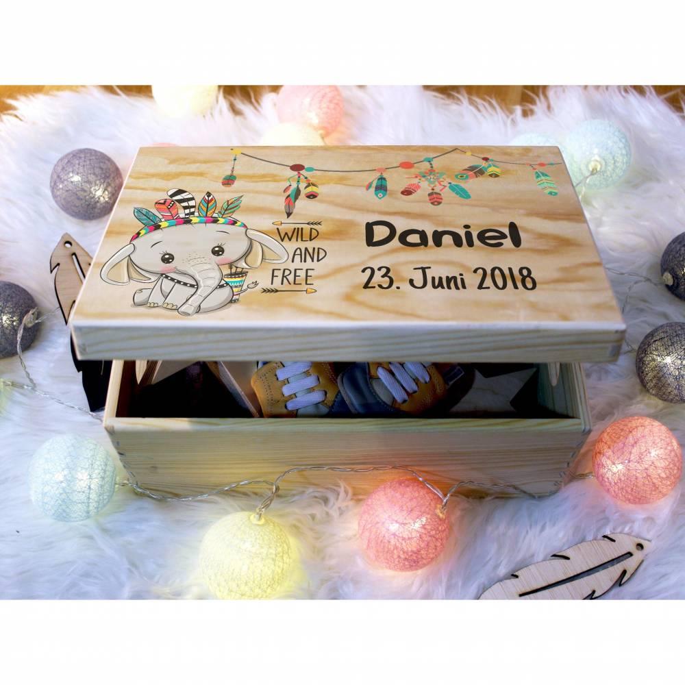 Erinnerungskiste Baby, aus Holz, Erinnerungsbox, personalisierbar mit Name und Datum, individuelle Holzkiste mit Deckel, Wild & Free Elefant Bild 1