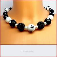 """Kette """"Black & White"""" Stars and Berry, schwarz-weiß, Sterne, Beeren ,Perlen, kurz, Magnetverschluss Bild 1"""
