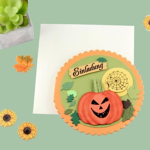 Einladungskarte für Halloween-Party Kürbis Spinnennetz BOO