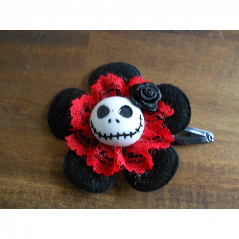Skull  Blume Stoff schwarz/rot,  Totenkopf ,Haarspange ,cosplay, Spitze,  Bild 1