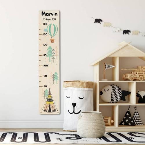 Messlatte aus Holz mit Wunschname und Geburtsdatum, Messleiste als personalisiertes Geburtsgeschenk für Kinder, Motiv: Tipi / Wigwam