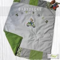 ✂ Babydecke Hase auf Roller und Namen, Namensdecke, Decke, Kinderdecke Bild 1