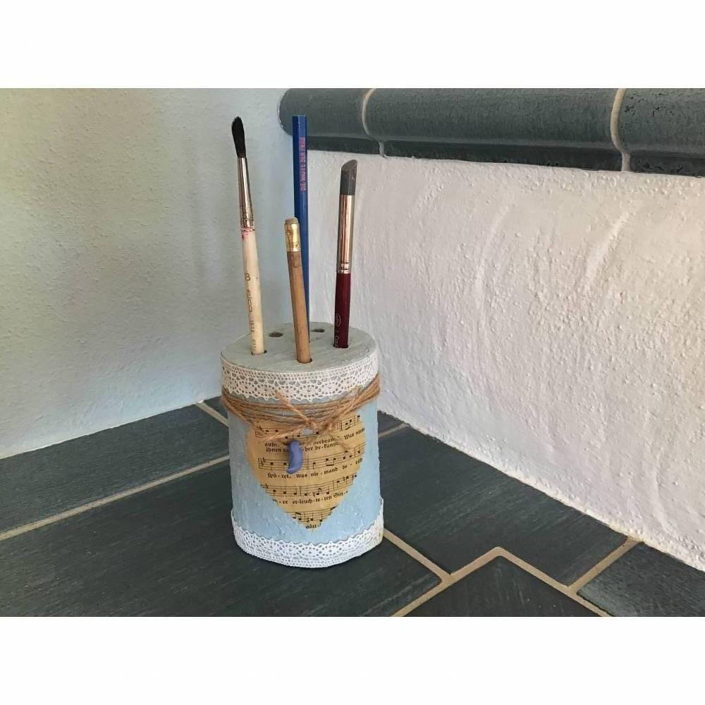 Stiftehalter, Pinselhalter, Kerzenhalter aus Holz in hellblau  Bild 1