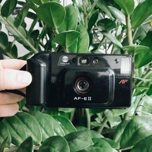 Minolta AF-E II   35mm-Kamera   FILMTESTED   sehr guter Zustand   schwarz   Point-and-Shoot