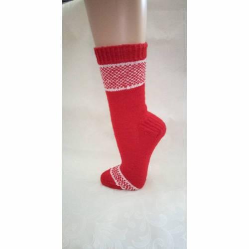 Größe 42, Männersocken, Selbstgestrickte Socken, Wollsocken, Wollstrümpfe, Einstrickmuster, rot, weiß, verstärkte Ferse