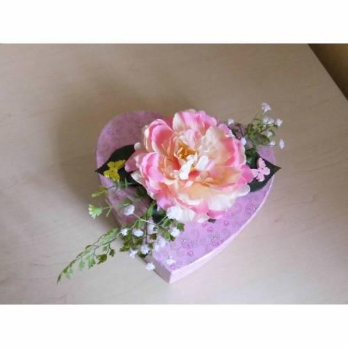 Geschenkbox Geschenkverpackung Herz mit Blumen - Dekoration rosa
