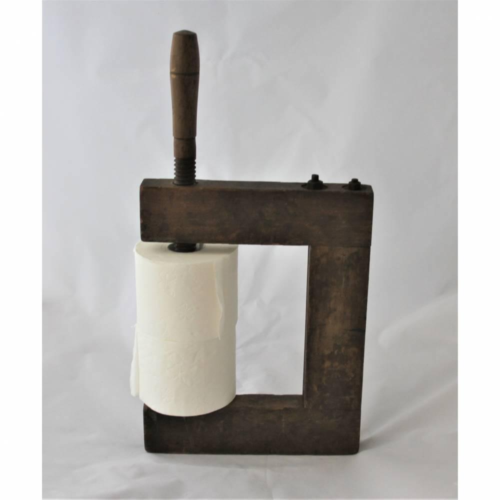 Klopapierhalter zum Mitnehmen Holzzwinge Upcycling Bild 1