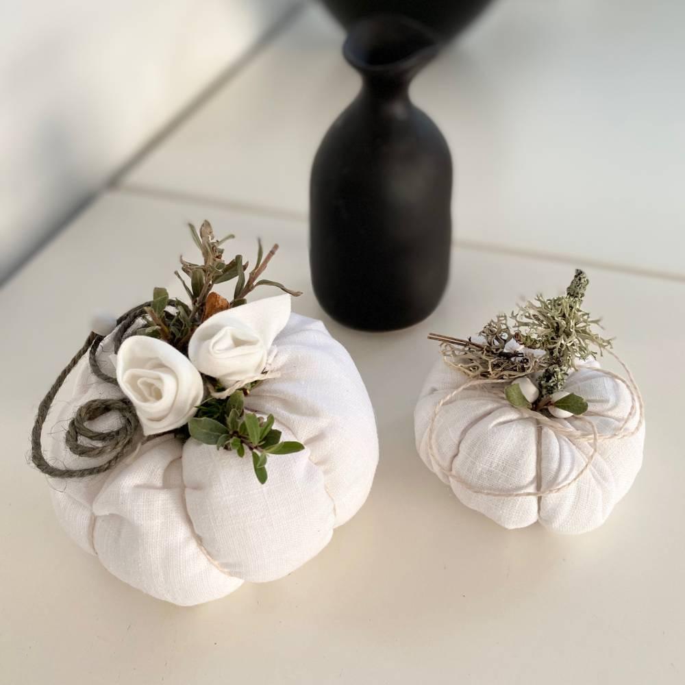 Nostalgie weiße Kürbisse Herbstdeko aus Leinen Bild 1