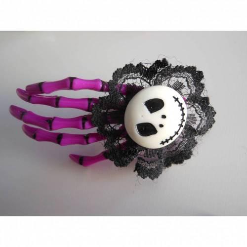 Skull, Totenkopf ,  Skeletthand Haarklammer gothic lila
