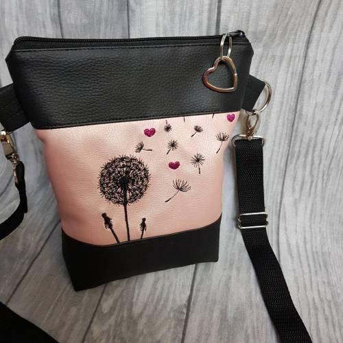 Kleine Handtasche Pusteblume mit Herzen rosa Umhängetasche Dandelion rosa schwarz Tasche mit Anhänger Kunstleder Herz
