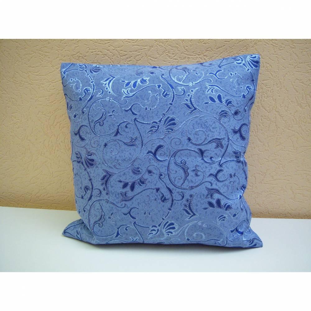 Kissenbezug, in Motivstoff, aufgesetzte Ornamente auf blauen Grund, 50x50cm mit Reißverschluss, waschbar bis 40° Bild 1