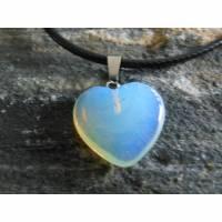 Naturstein Opalite ( Farbe white Opal )   Herzanhänger  Kette  Bild 1