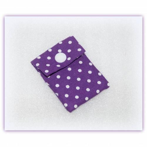 kleines Tampontäschchen lila mit Punkten, Nadeletui, Minigeldbeutel