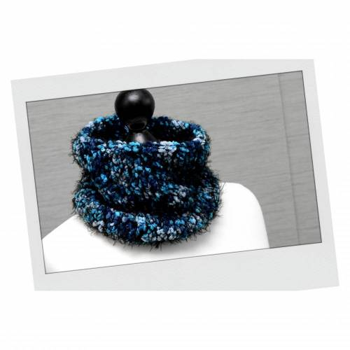 Gestrickter Schlauchschal Türkis + passender Charm . Kuscheliger Schlauchschal . Infinity Schal Winter . Weicher Loop . Geschenk Weihnachten