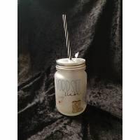 Trinkglas mit Deckel und Trinkhalm (Stiefel) Bild 1