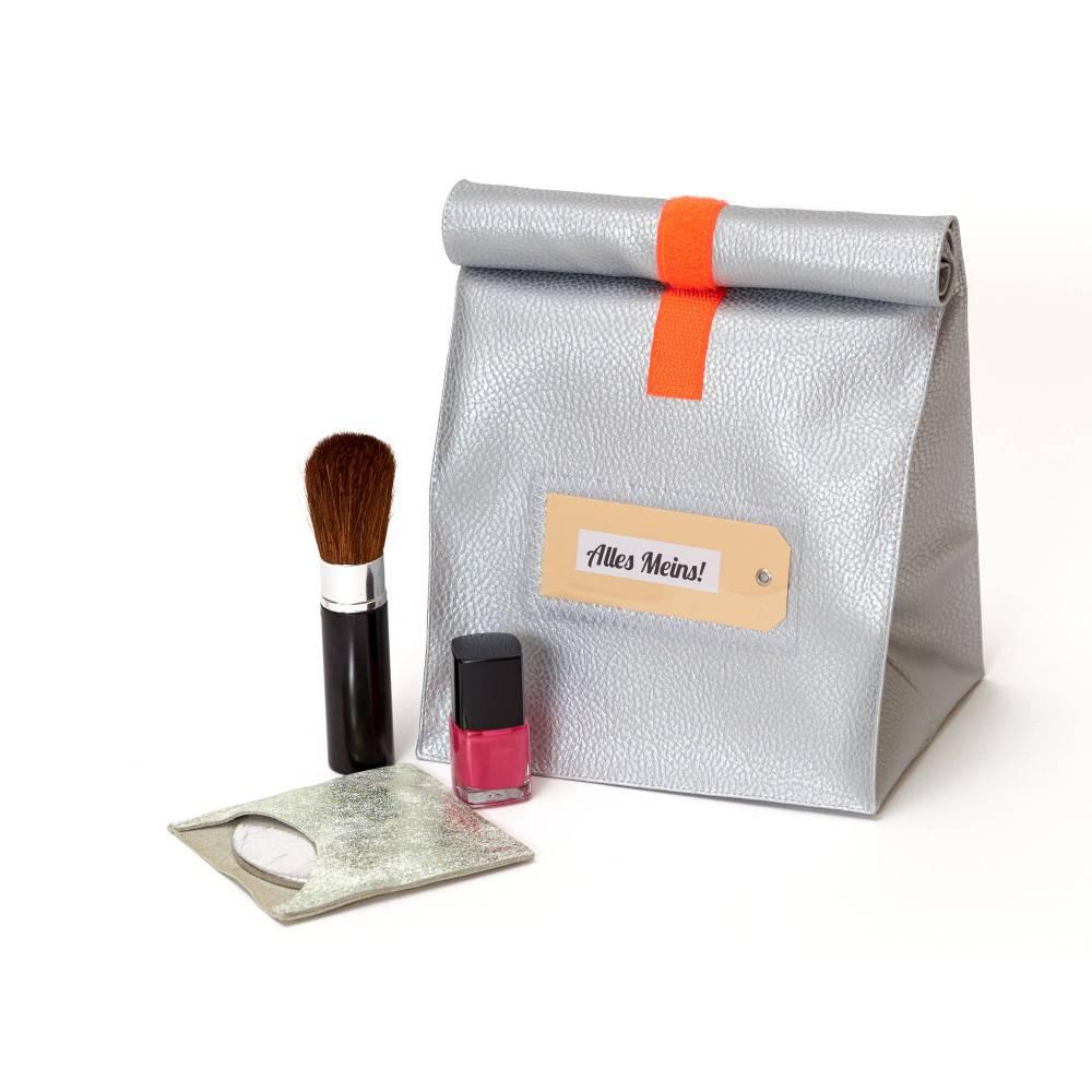 Lunchbag/ silber/ metallic/ Kunstleder/ Kulturtasche/ Schminktäschchen/ Lunchbags/ mit Innenfutter Bild 1