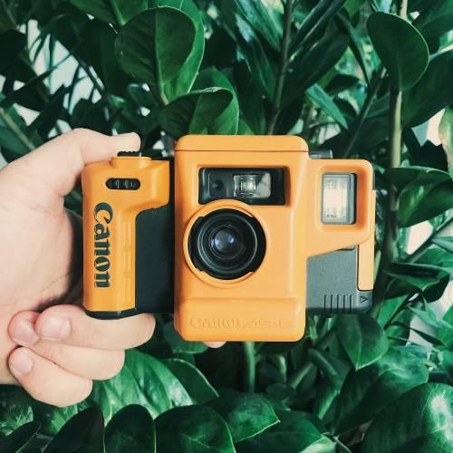 Canon AS-6    35mm-Kamera   FILMTESTED   guter Zustand   schwarz-orange   Unterwasserkamera