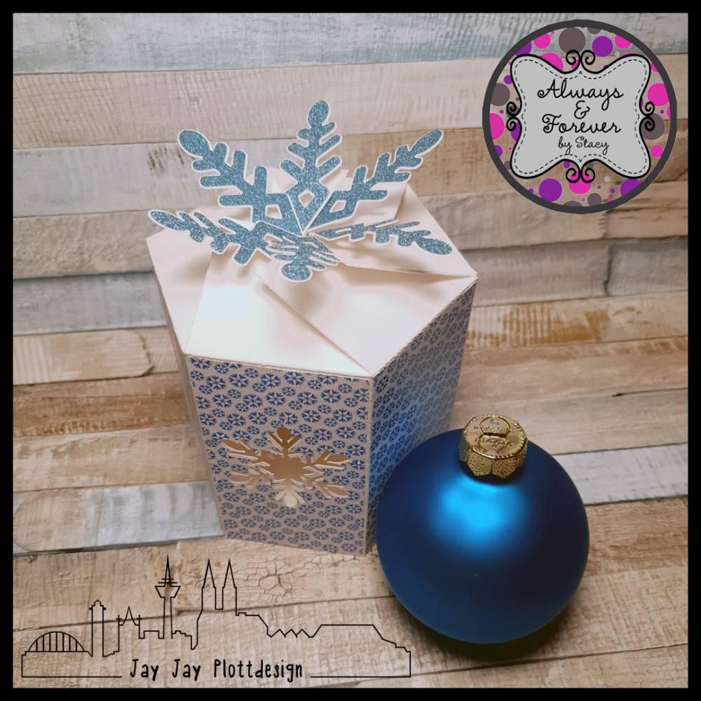 Plotterdatei Schneeflocken-Box für Christbaumkugeln mit 8 cm Durchmesser Bild 1