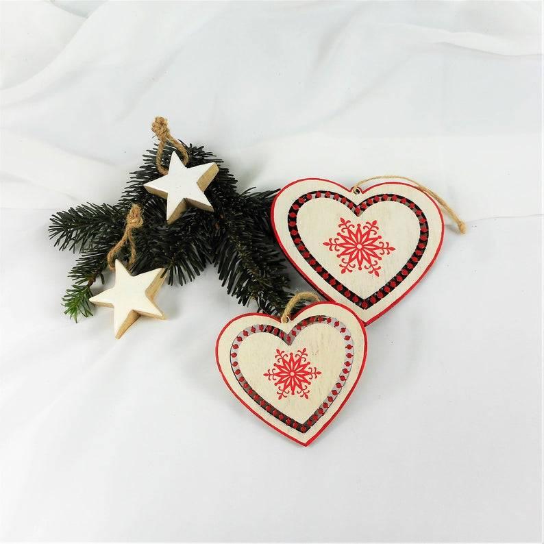 Weihnachtsdeko 2er Set Herzen, nordisch, Hänger, Material, natur rot Bild 1
