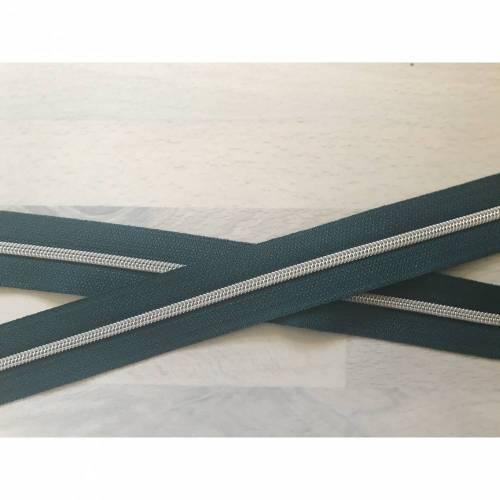 Metallisierter Endlosreißverschluss schmal tannengrün - Spirale silber