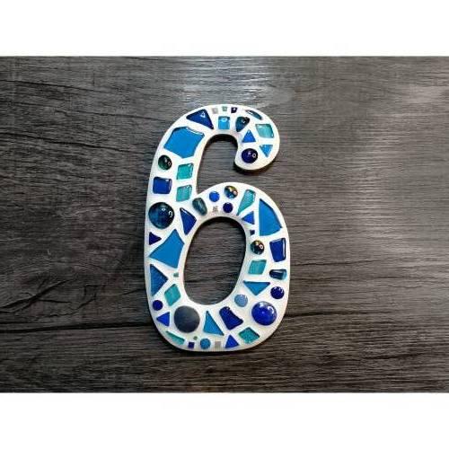 Hausnummer 6 als Mosaik **Glasmosaik für den Hauseingang**frostfest für drinnen und draussen**