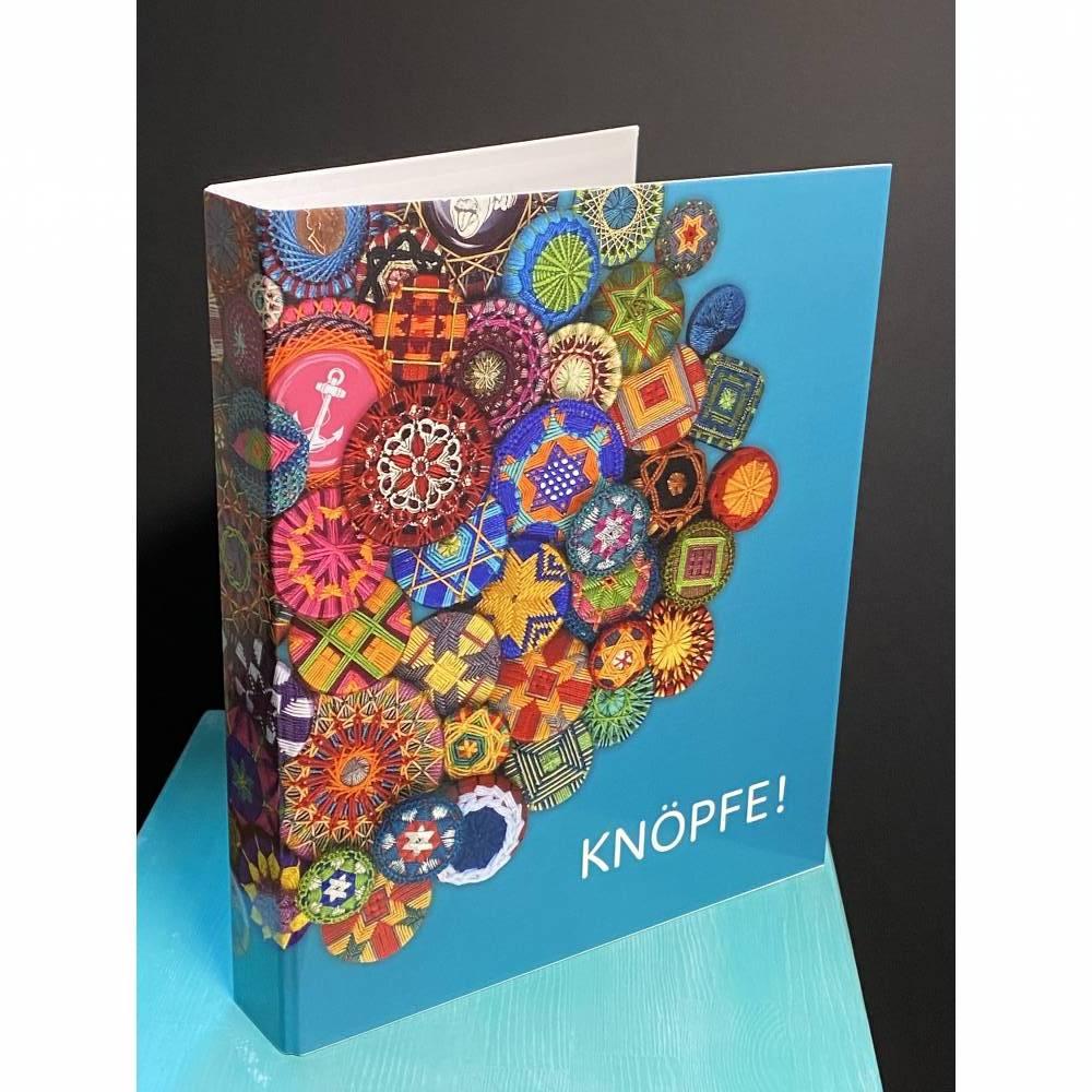 """Ringbuch """"Knöpfe!"""" Bild 1"""