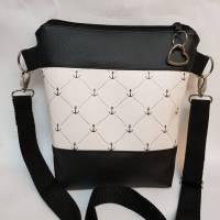 Kleine Handtasche Anker  Umhängetasche weiss schwarz Tasche mit Anhänger Kunstleder maritim Bild 1