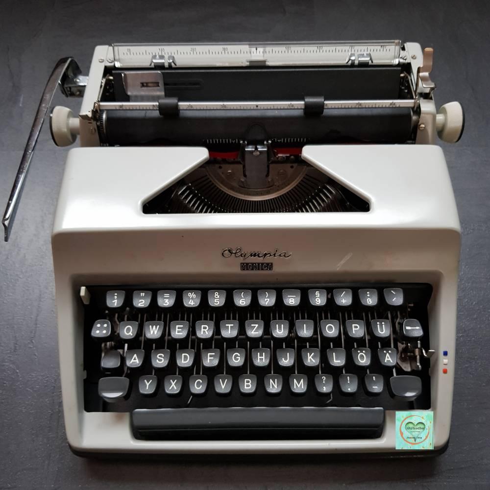 vintage, manuelle Schreibmaschine mit Koffer aus den 70ern, Marke Olympia Monica, sehr guter Zustand  Bild 1