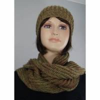 Mütze und Schal Set aus Wolle und Kid-Mohair grün/rot Bild 1