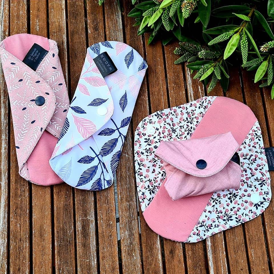 4er Set Wiederverwendbare, waschbare Slipeinlagen / Damenbinden für Alternative zero waste Monatshygiene, bei Inkontinenz / Blasenschwäche oder nach der Geburt Bild 1