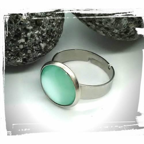 Verstellbarer Ring in Edelstahl mit Cabochon in mint mit Perlenglanz