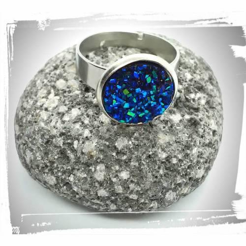 Verstellbarer Ring in Edelstahl mit Glitzerstein in blau-türkis