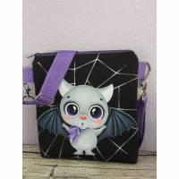 Umhängetasche für Kinder, Kindertasche Fledermaus lila Bild 1