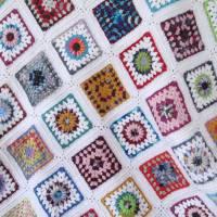 Häkeldecke, Patchwork Decke, Granny-Square-Decke, gehäkelte Patchworkdecke, Babydecke  Bild 1