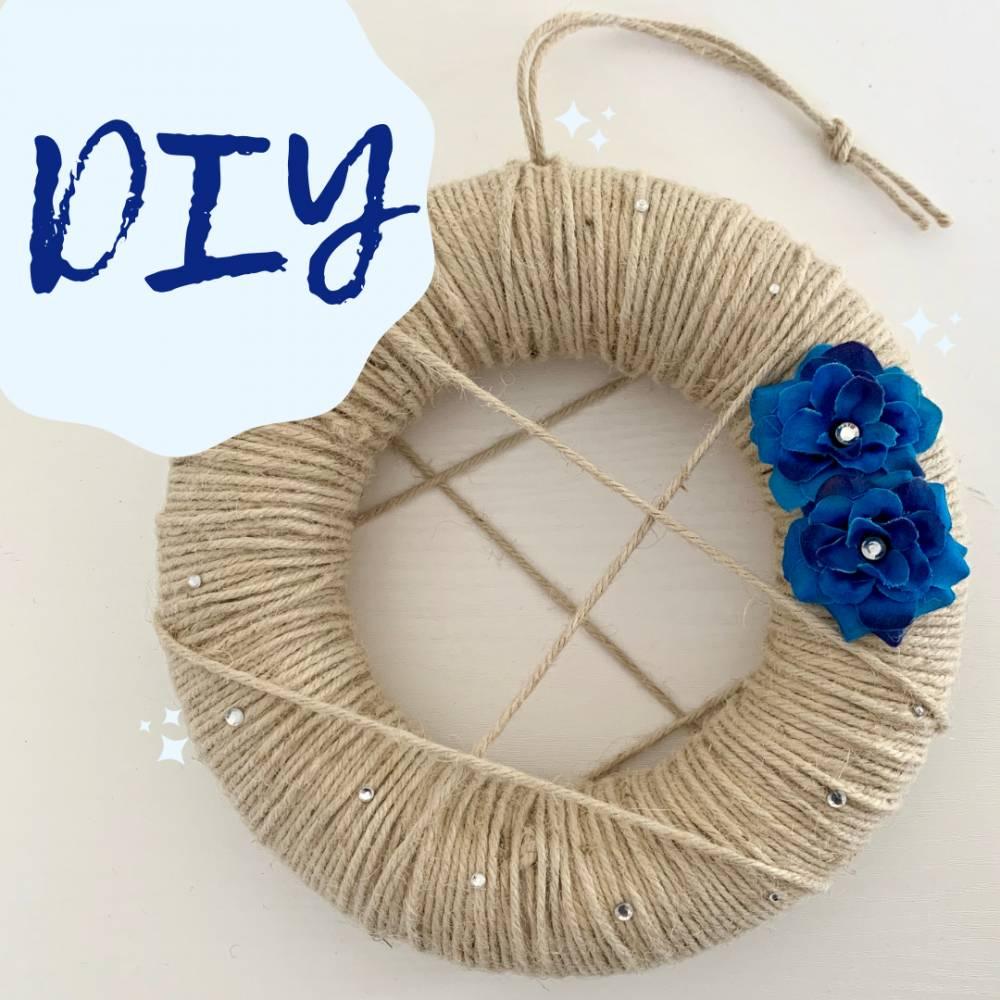 DIY-Set: Kranz, cremeweiß / blau Bild 1