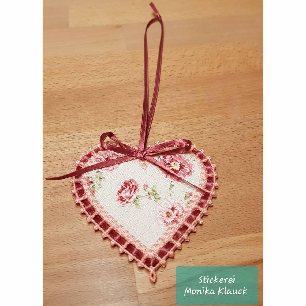 Kleines Herz, gestickt Bild 1