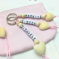 Schlüsselanhänger personalisiert, Geschenk für Erzieherin / Tagesmutter,  Bild 1