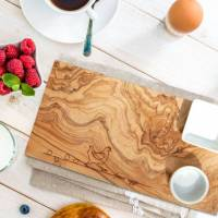 Frühstücksbrett (30x15cm) aus Olivenholz mit Eierbecher und Schale für Reste - Servierbrett Schneidebrett Bild 1