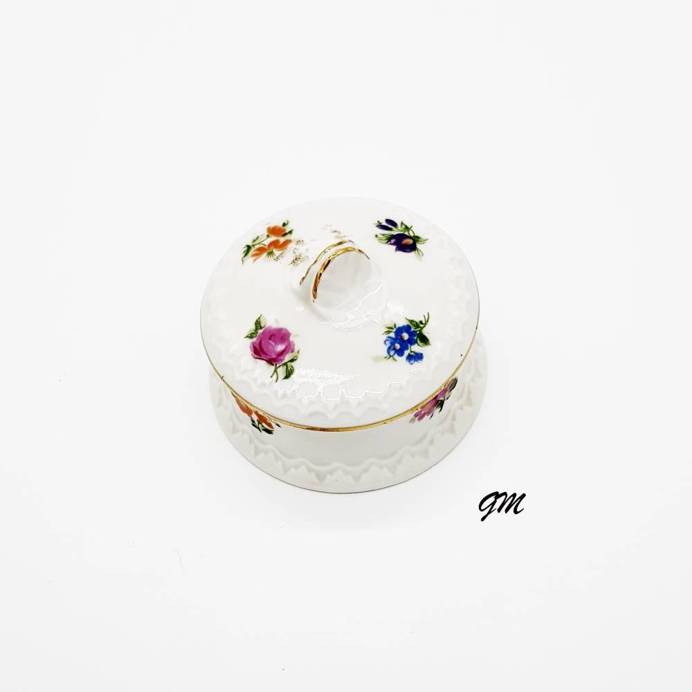 vintage kleine Porzellan Dose mit Deckel aus der Manufaktur Graefenthal zur Schmuckaufbewahrung, Pillendose, Dekoration  Bild 1