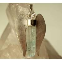 Bergkristall-Beryll-Engel Anhänger mit Silber gefasst und Silberflügel, Schutzengel Bild 1