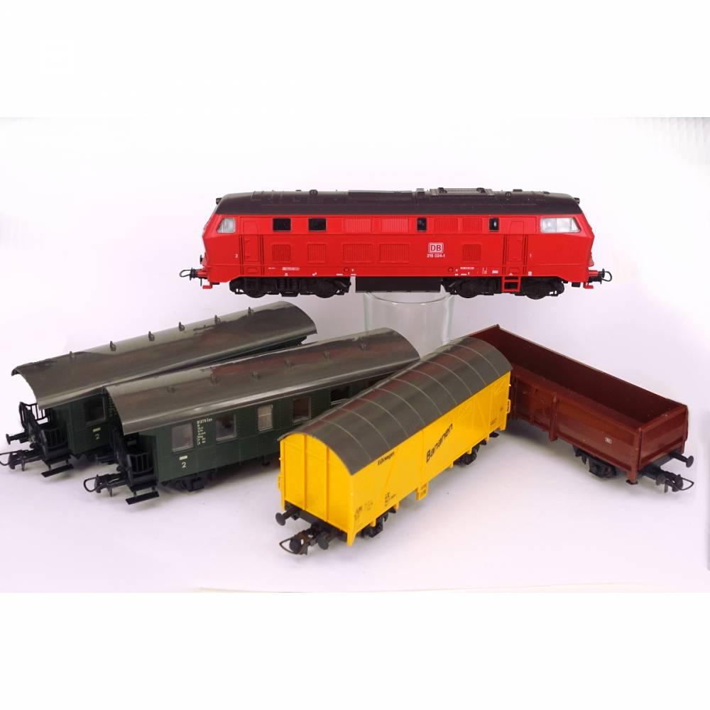 Roco Modell Eisenbahn Spur H0 mit Lok, 4 Waggons und vielen Schienen Bild 1
